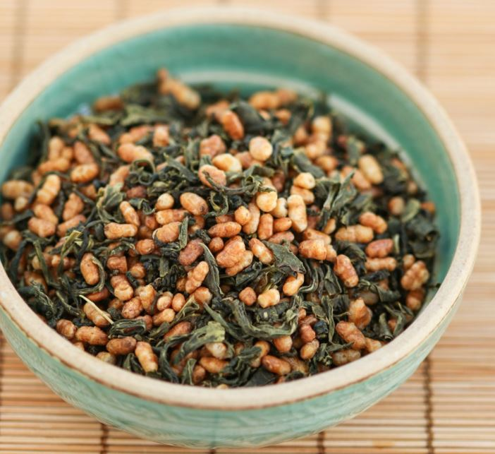 Sự kết hợp hoàn hảo giữa lá trà và gạo lứt cùng bắp rang ạo nên thức uống hảo hạng